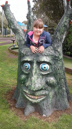Onehunga, New Zealand: Lovely fathers day at enchanted mini golf
