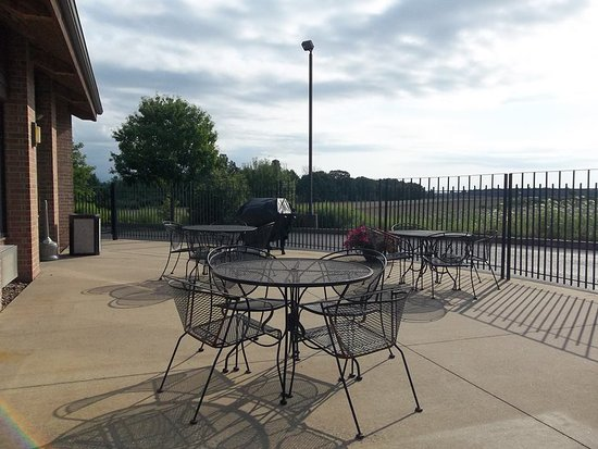 Marshfield, WI: Grill & Patio