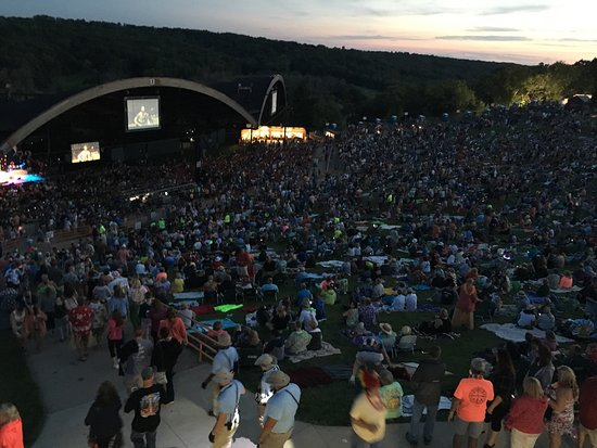 photo1 jpg - Picture of Alpine Valley Music Theatre, Elkhorn