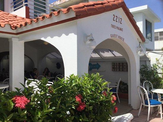 Tres Palmas Inn: photo1.jpg