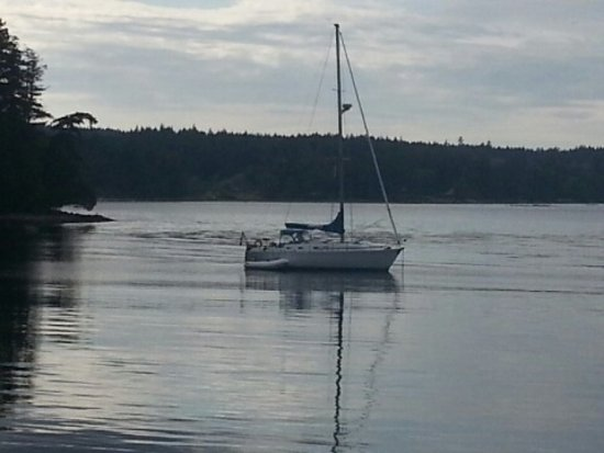 The Ocean Beckons Gulf Islands Charter: Anchored for our first night.....so calm and serene!