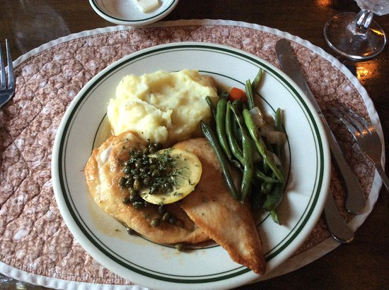 Casa Bella Inn & Restaurant: Chicken piccata
