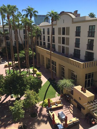 Tempe Mission Palms: looking out our room at the courtyard