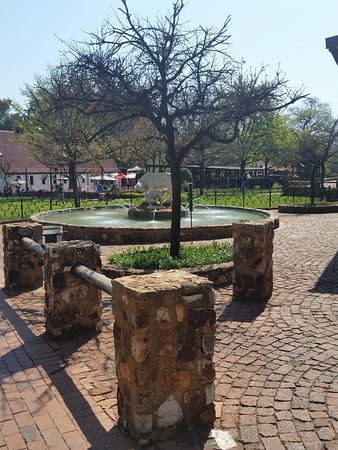 Centurion, Sør-Afrika: view at the entrance to the farm