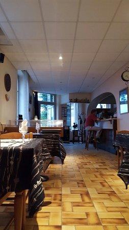 Ravieres, Francja: 20160829_202315_large.jpg