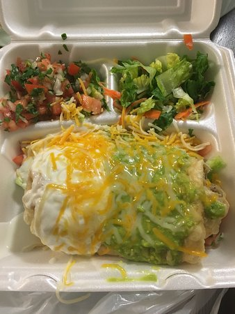 Moreno Valley, CA: The Chicken Chimichanga is D-Lishh!