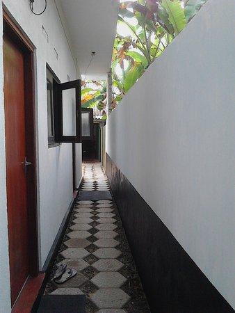 Arcade Beach Hotel: Entrance