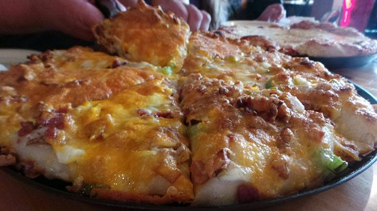 Cedar, MI: potato pizza! mmmmmm