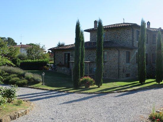 Lucignano, Италия: Aussenansicht Wohnung Pergola