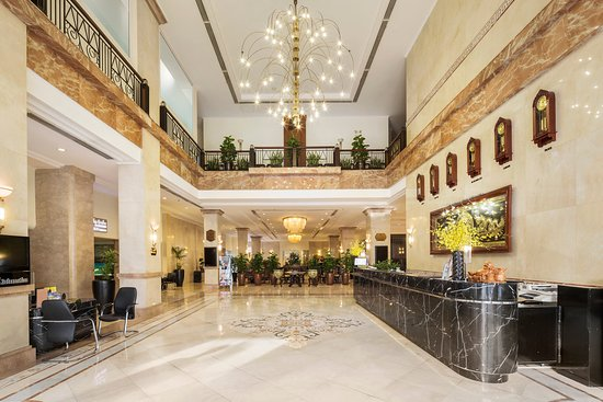 Rex Hotel: Lobby