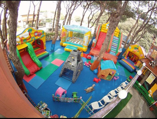 Parco Giochi La Pinetina