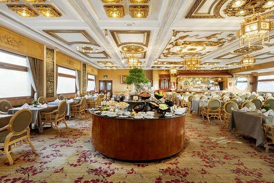 Rex Hotel: Daily Buffet Area