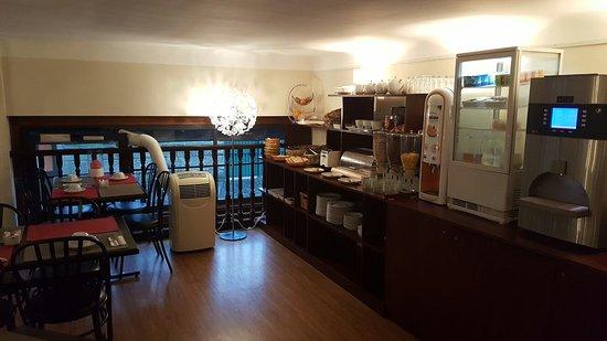 Comfort Hotel Astoria : 20160905_082231_large.jpg