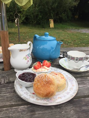St Keverne, UK: Have been eating cream teas for many year but this has got to be one of the best. Thank you fat