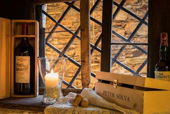 Hotel Alte Goste: Weinkeller Fenster