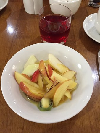 North Wootton, UK: Fresh fruit salad
