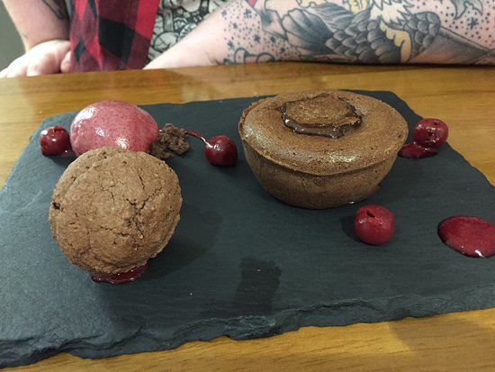 North Wootton, UK: Chocolate fondant with cherry sorbet and chocolate and cherry macaroon