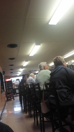 Royersford, PA: Lots of locals at the counter.