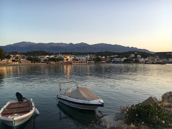Almyrida Beach Hotel: Small boat harbour perfect for swimming w/o waves