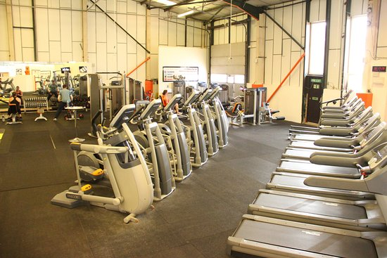 Watton, UK: Main room mainly targeting cardio with some free weights and machines here at Full Fitness Gym
