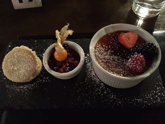 Heydon, UK: Cambridge burnt creme brulee with fruit compote & shortbread