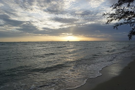 Lipa Noi, Thailand: Puesta de sol