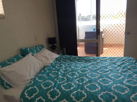 Bargara, Australië: Older style but clean, comfortable and well furnished