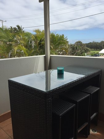 Bargara, Australia: Older style but clean, comfortable and well furnished
