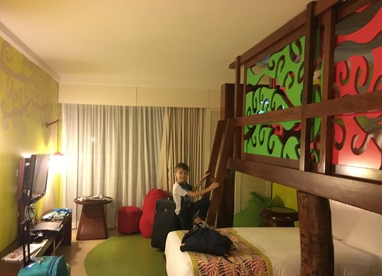 Holiday Inn Resort Vanuatu: Adjoining bedroom