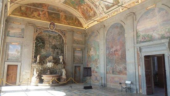 Caprarola vt palazzo farnese fontana dell 39 amore for Ercole farnese 2017