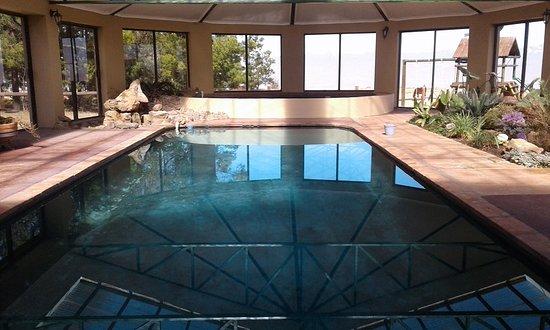 Drakensberg Mountain Retreat : Indoor Swimming Pool