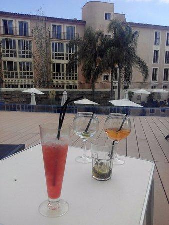 Hotel Isla Mallorca & Spa: Servicio de chiringuito en la piscina