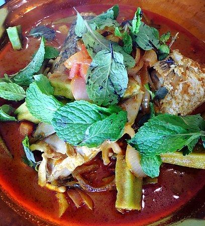 77 restaurant (fish head curry): photo0.jpg