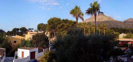 Hotel Cala Sant Vicenc: View from 106 at 07:30