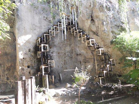 Cascade du jardin des fontaines p trifiantes picture of - Le jardin des fontaines petrifiantes ...
