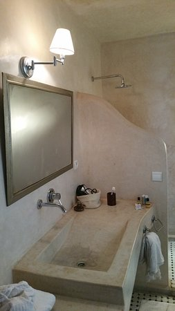 La salle de bain et ses finitions tadelakt - Photo de Dar ...