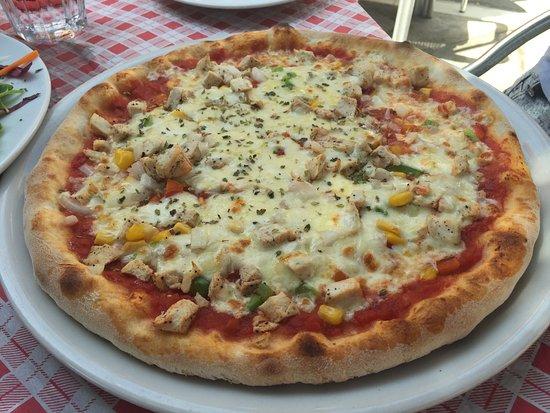 Ricetta Pizza Italiana.Pizza Al Pollo Chicken Picture Of Trattoria Italiana Elviria Tripadvisor