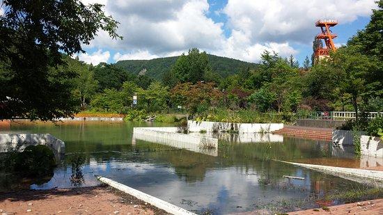 Yubari Coal Mine Museum : 博物館近くの廃墟(元遊園地内プール跡らしい)