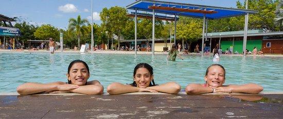 Cairns Esplanade Swimming Lagoon: photo1.jpg