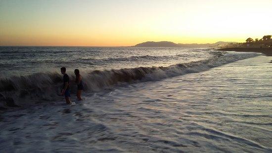 Бенахарафе, Испания: Er zijn wel golven maar niet al te hoog
