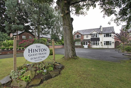 The Hinton Guest House: The Hinton - Frontage & Car Park