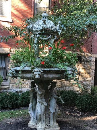 Old Louisville: photo5.jpg