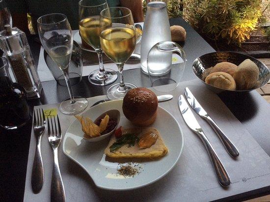 Cloyes-sur-le-Loir, France: Foie gras accompagné d'un verre de coteau du Layon, succulent