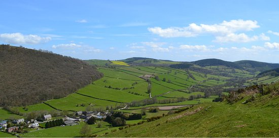 Bucknell, UK: Redlake Valley ~ Waiting To Be Discovered