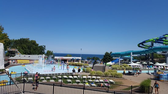 Seabreeze Amusement Park: A view of Lake Ontario from near the Wave Pool