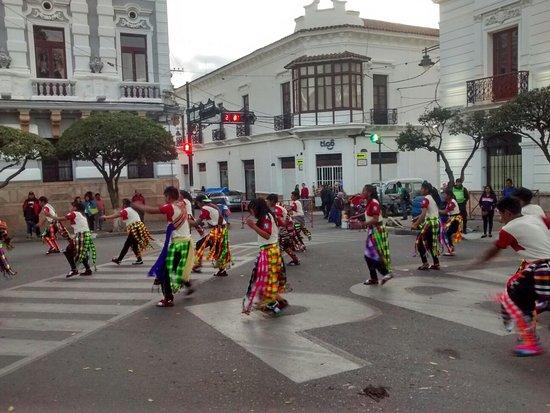 Plaza 25 de Mayo: IMG_20160903_180310740_HDR_large.jpg