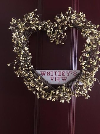 The Whitney House Inn: Door to room