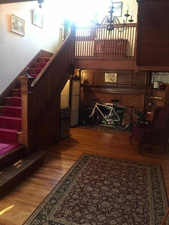 The Whitney House Inn: View from front entrance towards stairs