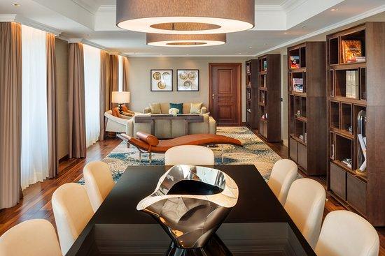 JW Marriott Bucharest Grand Hotel: Presidential Suite Table