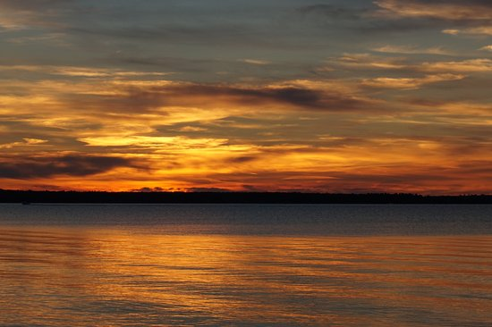 Richards Landing, Canadá: Sunset from deck near cabin